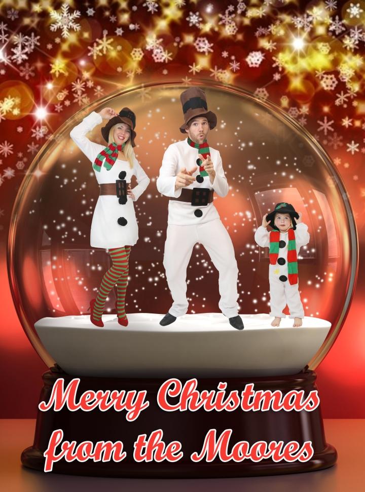 Cheesy Christmas Family Photo 2014