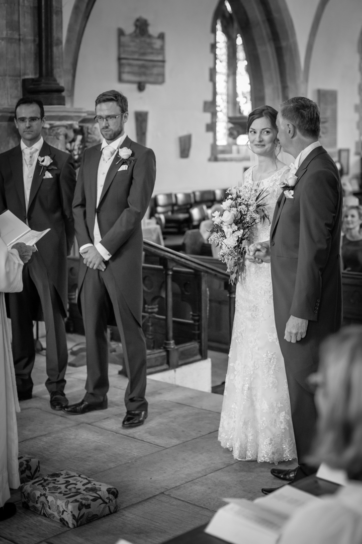 jake moore photography kingston country courtyard wedding (21)