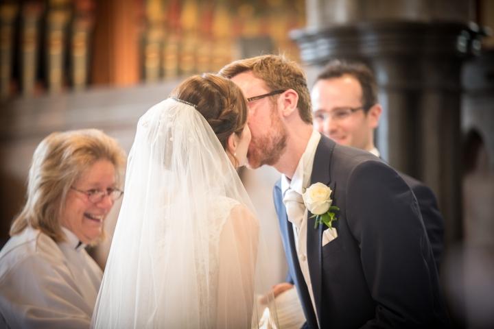 jake moore photography kingston country courtyard wedding (28)