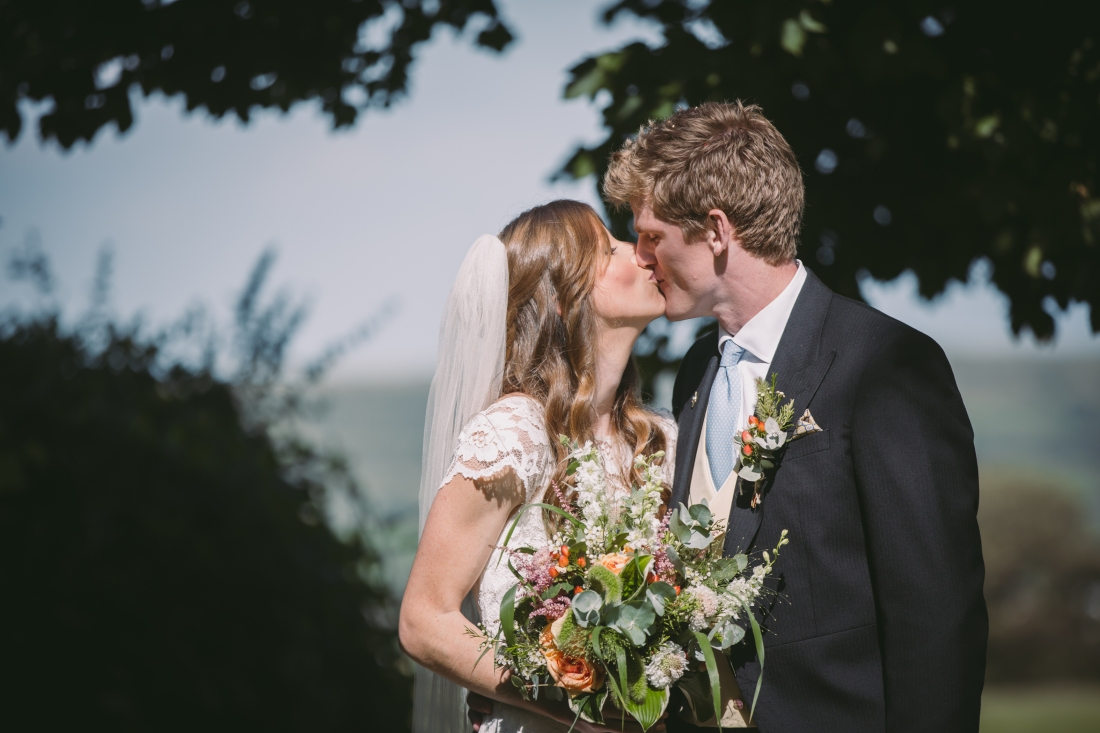 jake moore photography - kingston country courtyard wedding (33)