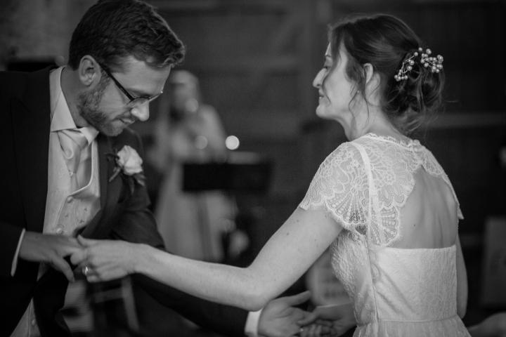 jake moore photography kingston country courtyard wedding (82)
