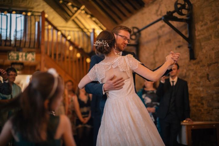 jake moore photography kingston country courtyard wedding (83)
